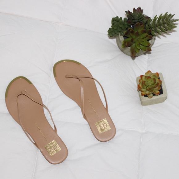 6270d6f424d Dolce Vita Shoes - 🔴 TAN FLIP FLOPS